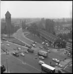 8281 Plek toekomstig tramtracé aan het Breeplein en de Beukendaal in Vreewijk. Links staat de Kruisvindingskerk.