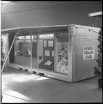 8290 Mobiele stand in Ahoy'-complex. In een container wordt in één keer de hele reclamestand aangevoerd.