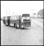 8342 RET bus 45 in nieuwe rode kleur, opgesteld op de Parkkade.