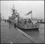 8376 Engels marineschip HMS F126 Plymouth aan de Parkkade. Het is één van de zes Britse marineschepen die als ...