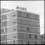 8497 Kantoor Levensverzekeringsmaatschappij Nillmij hoek Delftsestraat/Schiekade. Deel van het pand; op de foto staat ...