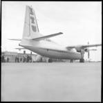 8532 Eerste landing toestel Friendship D-Baki van Lufthansa op vliegveld Zestienhoven.