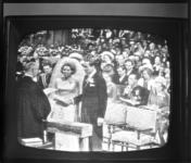 8588 Huwelijksvoltrekking kroonprinses Beatrix en prins Claus in Amsterdam, op televisie.