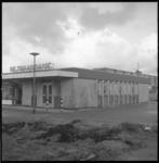 8773 Nieuw kantoor van De Spaarbank in de Prins Alexanderpolder in winkelcentrum Lage Land aan het Samuel Esmeijerplein.