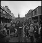 8784-2 Actie voor astmabestrijding op de Lijnbaan ter hoogte van kunstwerk 'de Beertjes', restaurant Ruteck's en ...