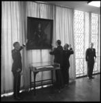 8795 Aangeboden schilderij in de van Ghentkazerne.