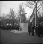 8800 Herdenkingsplechtigheid 301-jarige Korps Mariniers op de Algemene Begraafplaats Crooswijk met een kranslegging bij ...