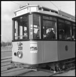 8812-2 Instructierijtuig 2101 van de RET met leerling trambestuurders.