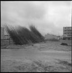 8819 Foto gemaakt vanaf Cornelis Danckertsstraat richting Jacob van Campenplein/hoek Stalpaertstraat. In de voorgrond ...