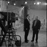 882-1 Opnamen in de grote zaal van de AVRO-studio in Hilversum voor het programma Een Beeld van een Stad, Rotterdam. ...
