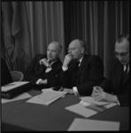 8921-4 Partijleider PvdA en minister van Economische Zaken Joop den Uyl en minister van Financiën Anne Vondeling, op ...