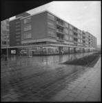 8925-2 Winkelcentrum in het Lage Land bij het Jacob van Campenplein in de Alexanderpolder met supermarkt VIVO.