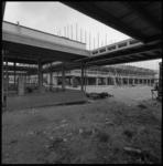 8955-2 Winkelcentrum in aanbouw Prins Alexanderpolder.