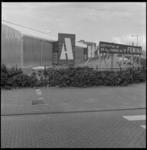 9061 Naderende opening consumentenbeurs Femina in een uit aluminium opgetrokken tijdelijke hal van Ahoy aan de Katshoek.