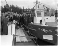 935 Mejuffrouw T. Wilton, dochter van ir. B. Wilton, doopt op de werf Wilton-Fijenoord de boot Edith III, bestemd voor ...