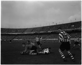 946-1 Spelmoment uit de voetbalwedstrijd Feyenoord - PSV.