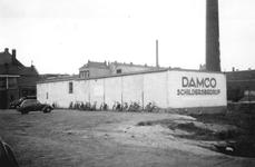 1976-2205 De Schoterbosstraat met het schildersbedrijf Damco nabij de hoek van de Hofdijk.