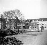 1976-2212 De Zalmhaven met links de Zalmhavensteeg.