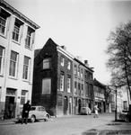 1976-2214 De Zalmhaven gezien bij de Zalmhavensteeg.