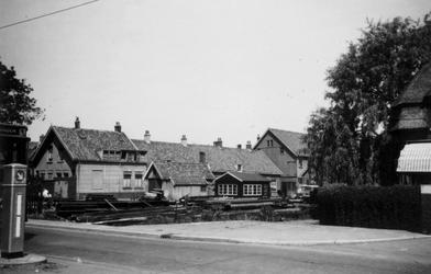 1976-2295 Gezicht op de 's-Gravenweg, ter hoogte van het huis Bouwlust.