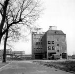 1976-2309 Gezicht op de Mariniersweg met bedrijfspanden, gezien vanaf de Pannekoekstraat.