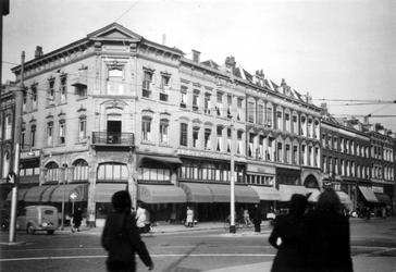 1976-2329 De Mauritsweg ( links ) op de hoek van de Oude Binnenweg.