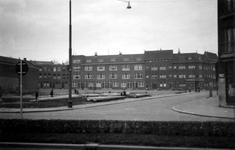 1976-2356 De Bas Jungeriusstraat gezien vanaf de Pleinweg.