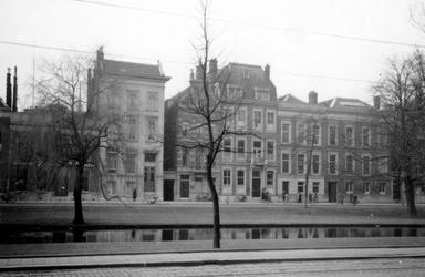 1976-2403 Gezicht op de Westersingel, vanaf de Mauritsweg.