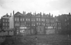 1976-2415 Gezicht op de achterzijde van woningen aan de Oude Binnenweg.