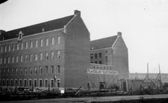 1976-2419 Gezicht op de Hoogstraat met het telegraafkantoor.