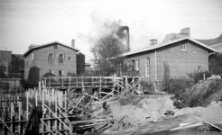 1976-2493 Gezicht op de barakken van het Coolsingelziekenhuis, vanaf het Binnenwegplein.
