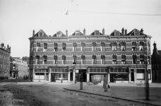 1976-2499 De Weteringstraat gezien vanaf de Marinus van der Stoepstraat.
