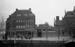 1976-2523 Gezicht op de Admiraliteitskade. Links bij het Oostplein.