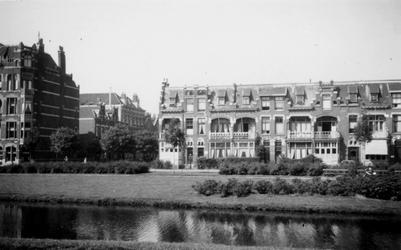1976-2556 Gezicht op de Spoorsingel bij de Klein-Coolstraat ( links ).