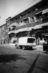 1976-2577 Gezicht op de noordzijde van de Stationssingel. Vanuit oostelijke richting.