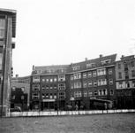 1976-2586 Gezicht op woningen aan de Baan, vanaf de Schiedamsesingel.