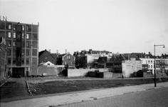 1976-2612 Gezicht op de Jonker Fransstraat, vanuit de Admiraal de Ruyterweg. Op de achtergrond links een deel van de ...