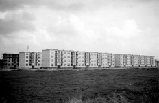 1976-2616 Gezicht op nieuwbouw in Kleinpolder Oost.