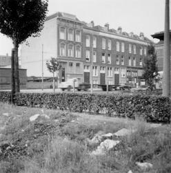1976-2632 Gezicht op de Van Oldenbarneveltstraat.