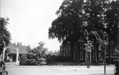 1976-2636 Gezicht op de 's Gravenweg.