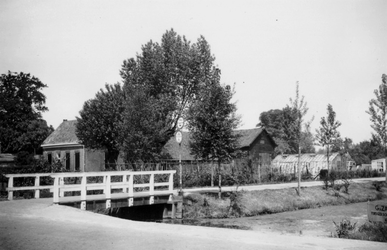 1976-2641 Gezicht op de 's Gravenweg.