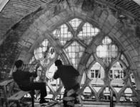 -866 Album met foto's, reproducties en andere documentatie betreffende de Sint-Laurenskerk en de restauratie ...