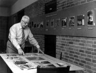 -869 Album met foto's, reproducties, prentbriefkaarten en andere documentatie ( o.a. kwitanties, verzekerings- ...