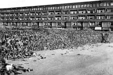 2003-1463 Opslag van puin en bakstenen op de Noorderhavenkade na het bombardement van 14 mei 1940.
