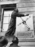 1977-3146 Het eerste naoorlogse affiche van de Binnenlandsche Strijdkrachten - met de tekst: The soldiers of the ...