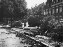 1977-3152 Het omhakken van bomen.