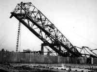 1977-3169 Gezicht op vernielingen aan de Lekhaven.