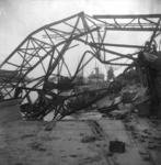 1977-3170 Gezicht op vernielingen aan de Lekhaven.