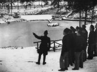 1977-3357 In een werkkamp, georganiseerd door de Nederlandsche Arbeidsdienst.