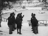 1977-3372 In een werkkamp, georganiseerd door de Nederlandsche Arbeidsdienst.